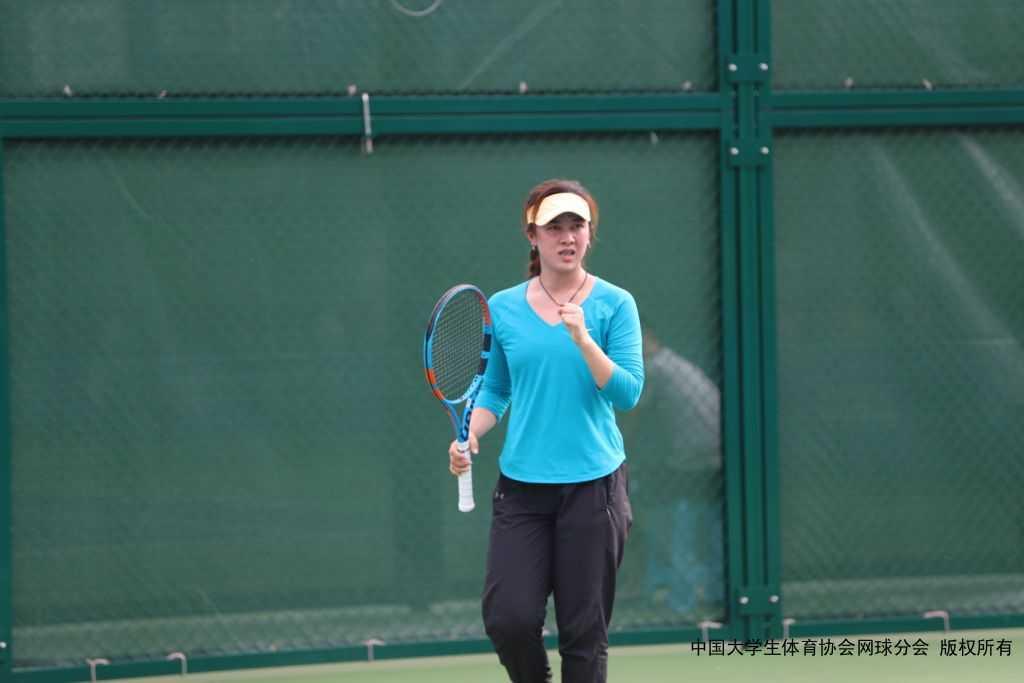 """第二十四届中国大学生网球锦标赛 第十九届中国高校""""校长杯""""网球比赛、学生单项赛、教授组、校长组比赛进行中"""