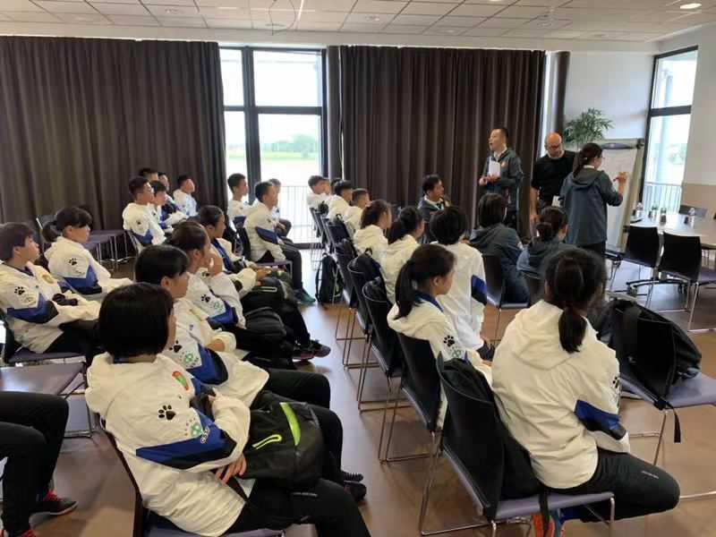 追梦之旅——2019全国青少年校园足球法国训练营顺利抵达
